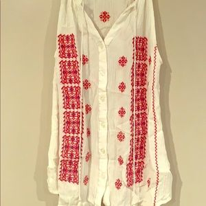 Lucy&Laurel White tank with red embroidery